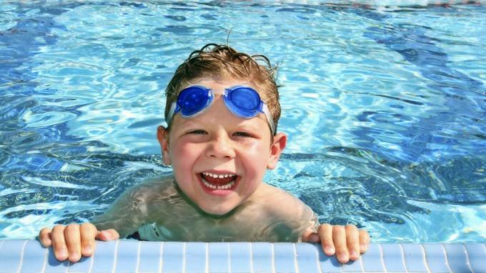 какие справки нужны для посещения бассейна взрослому